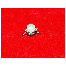 Single White-Pearl Silver Ring