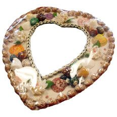 Hart Shape Shell Mirror